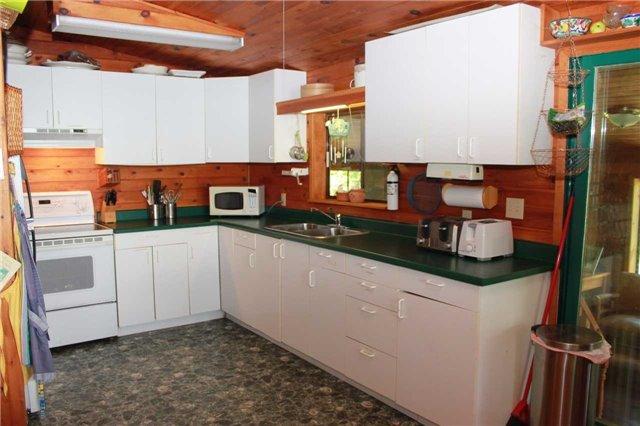 Cottage at 830 Weslemkoon Lake Wao Rd, Addington Highlands, Ontario. Image 6