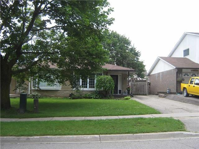 Semi-detached at 309 Simon St, Shelburne, Ontario. Image 1