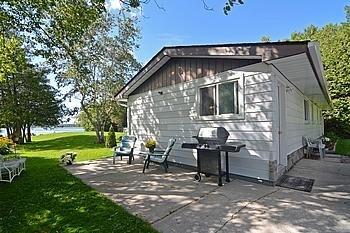 Cottage at 5 Bayside St, Kawartha Lakes, Ontario. Image 3