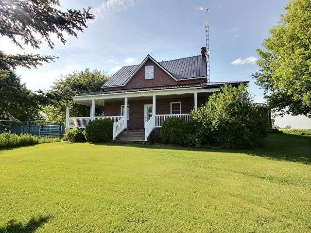 Detached at 19855-A County Road 24, North Glengarry, Ontario. Image 1