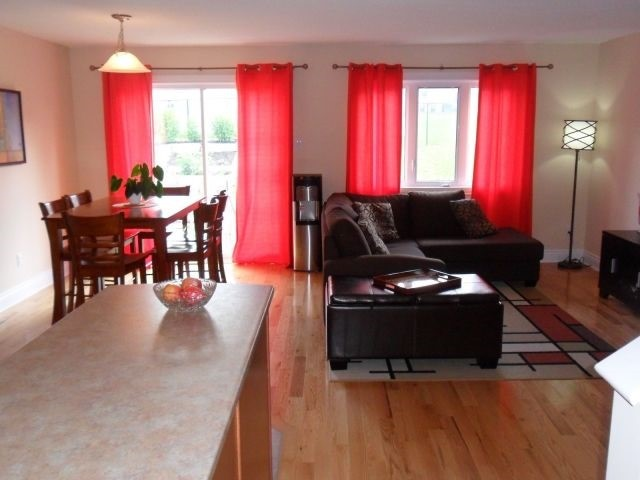 Townhouse at 61 Nathalie St, Clarence-Rockland, Ontario. Image 5