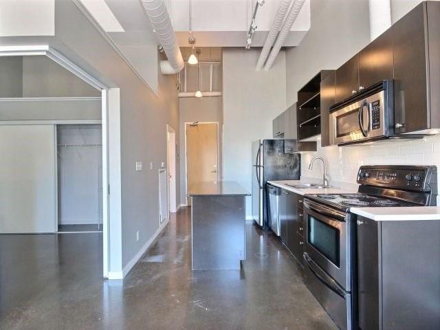 Condo Apartment at 404 King St W, Unit 434, Kitchener, Ontario. Image 3