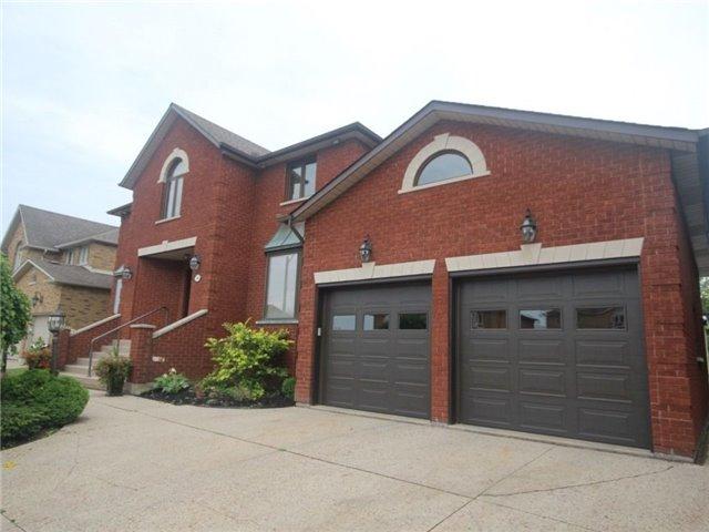 Detached at 56 Nellida Cres, Hamilton, Ontario. Image 12