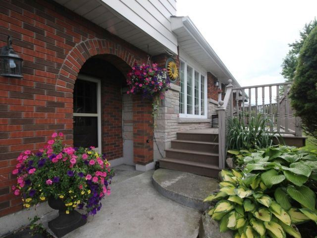 Detached at 148 King E. St, Haldimand, Ontario. Image 12