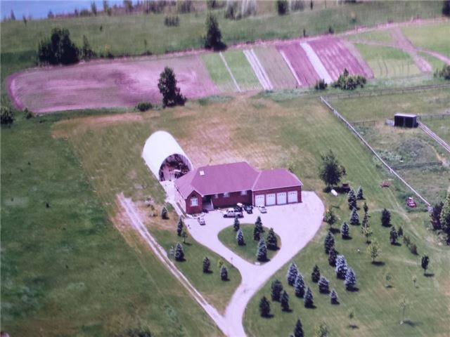 Detached at 933120 Airport Rd, Mono, Ontario. Image 1