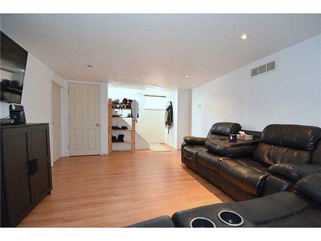 Detached at 769 Upper Gage Ave, Hamilton, Ontario. Image 9