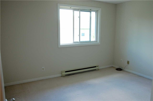 Condo Apartment at 565 Greenfield Ave, Unit 312, Kitchener, Ontario. Image 10