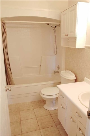 Condo Apartment at 565 Greenfield Ave, Unit 312, Kitchener, Ontario. Image 11