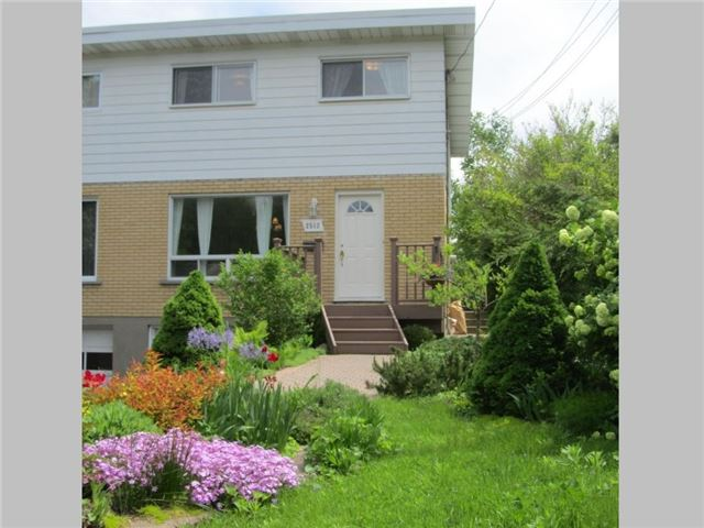 Semi-detached at 2512 Gravelle Cres, Ottawa, Ontario. Image 1