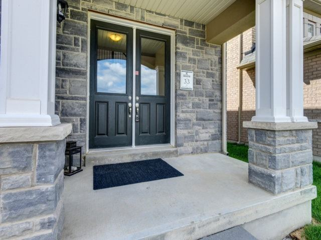 Detached at 27 Chaumont Dr, Hamilton, Ontario. Image 11