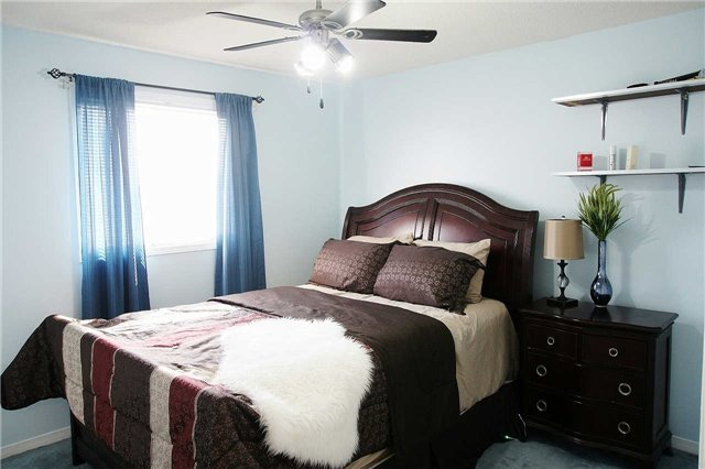 Townhouse at 79 Devine Cres, Thorold, Ontario. Image 7