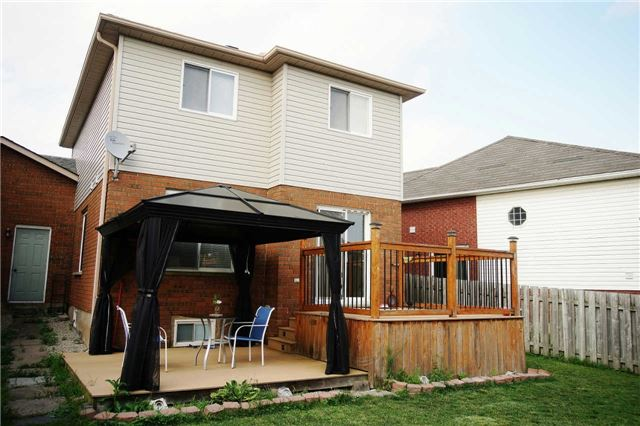 Townhouse at 79 Devine Cres, Thorold, Ontario. Image 2