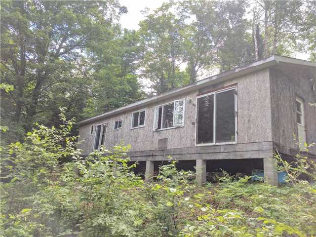 Cottage at 1396 Anderson Rd, Highlands East, Ontario. Image 7