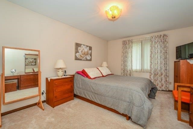 Detached at 644 Black Forest  Pl, Waterloo, Ontario. Image 6
