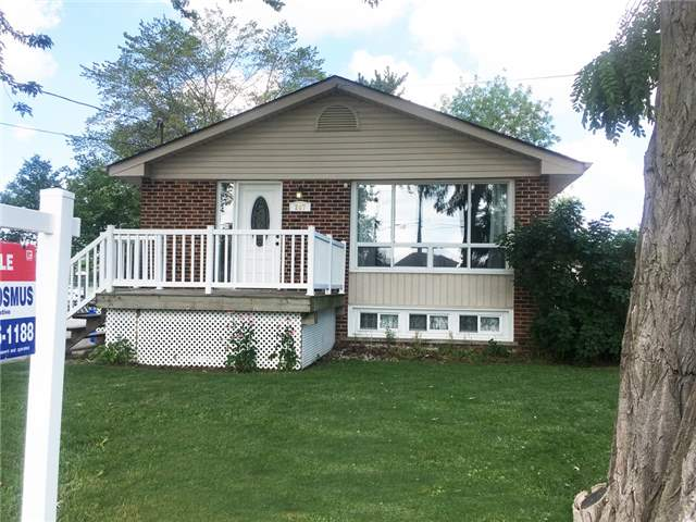 Detached at 267 Winona Rd, Hamilton, Ontario. Image 2