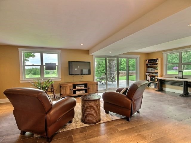 Detached at 1567 8th Line Rd, Ottawa, Ontario. Image 7