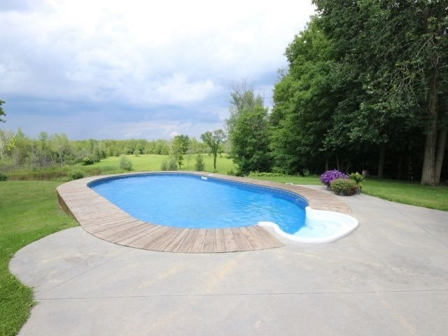 Detached at 1567 8th Line Rd, Ottawa, Ontario. Image 10