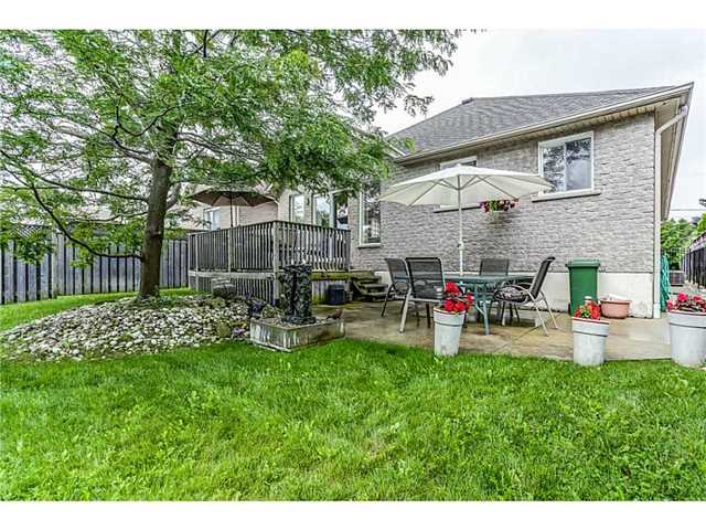Detached at 56 Leckie Ave, Hamilton, Ontario. Image 11