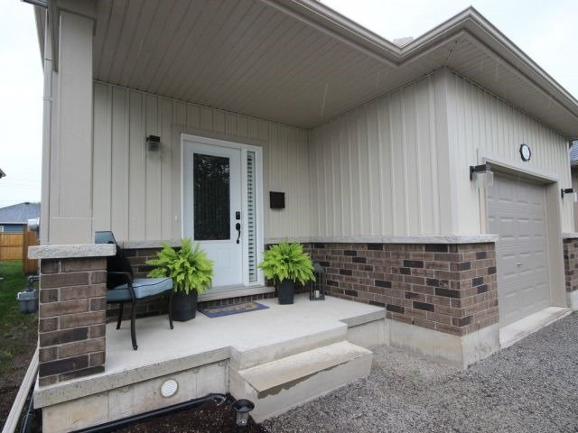 Detached at 112 Wallace Ave S, Welland, Ontario. Image 12
