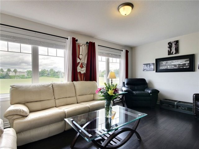 Townhouse at 441 Coldwater Cres, Ottawa, Ontario. Image 3