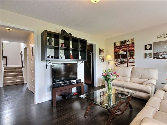 Townhouse at 441 Coldwater Cres, Ottawa, Ontario. Image 4
