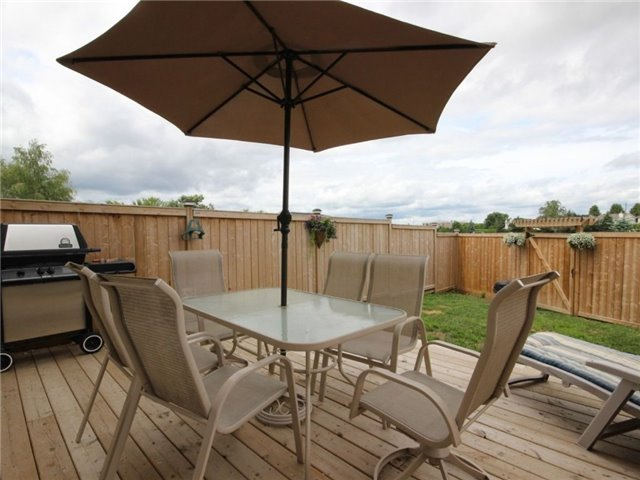Townhouse at 441 Coldwater Cres, Ottawa, Ontario. Image 11