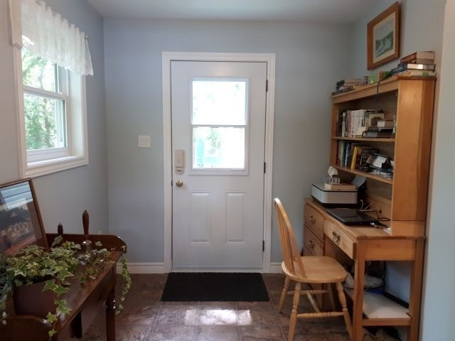 Detached at 9 Philip St N, Prince Edward County, Ontario. Image 17