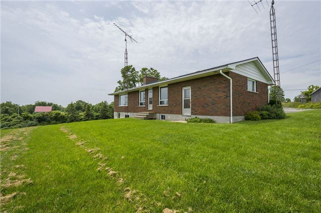 Detached at 80 Scotts Mills Rd, Prince Edward County, Ontario. Image 10