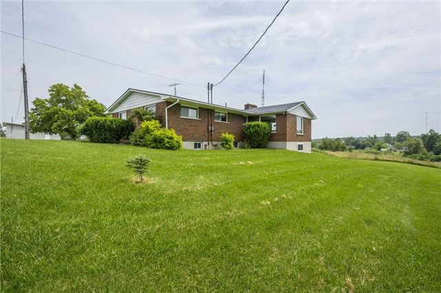 Detached at 80 Scotts Mills Rd, Prince Edward County, Ontario. Image 11