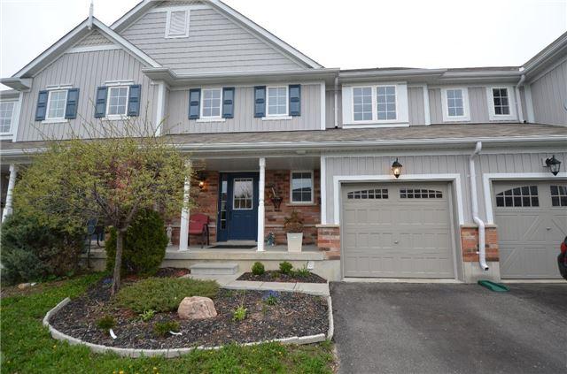 Townhouse at 24 Fallingbrook Cres, Kawartha Lakes, Ontario. Image 1