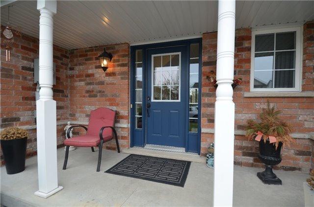 Townhouse at 24 Fallingbrook Cres, Kawartha Lakes, Ontario. Image 12