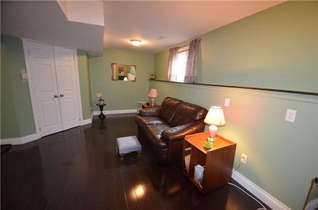 Townhouse at 24 Fallingbrook Cres, Kawartha Lakes, Ontario. Image 7