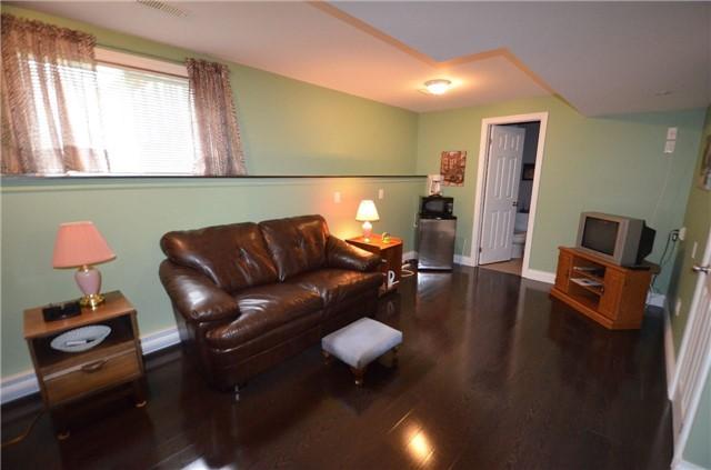 Townhouse at 24 Fallingbrook Cres, Kawartha Lakes, Ontario. Image 8