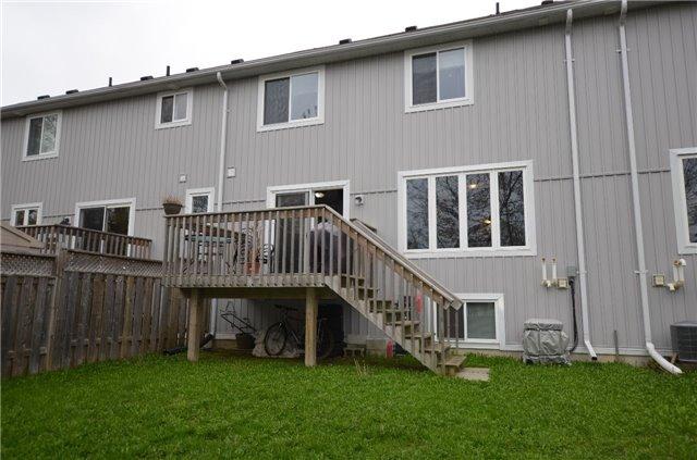 Townhouse at 24 Fallingbrook Cres, Kawartha Lakes, Ontario. Image 13