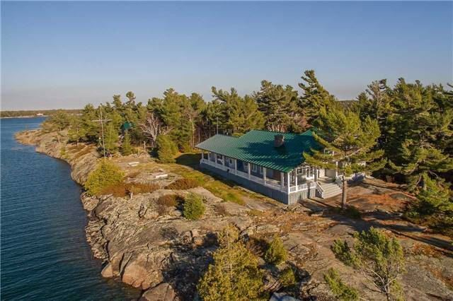 Cottage at D207 Bigwood Island, Parry Sound Remote Area, Ontario. Image 15