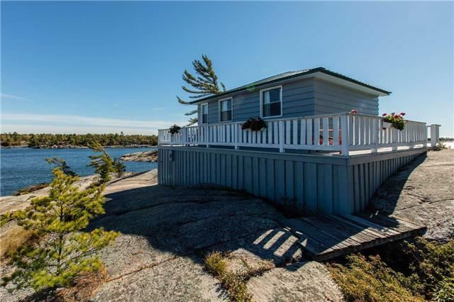 Cottage at D207 Bigwood Island, Parry Sound Remote Area, Ontario. Image 18