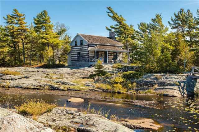 Cottage at D207 Bigwood Island, Parry Sound Remote Area, Ontario. Image 19