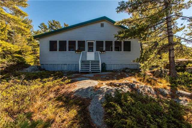 Cottage at D207 Bigwood Island, Parry Sound Remote Area, Ontario. Image 3