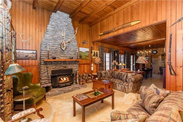 Cottage at D207 Bigwood Island, Parry Sound Remote Area, Ontario. Image 4