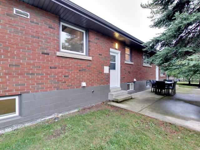 Detached at 37 Southmeadow Cres, Hamilton, Ontario. Image 11