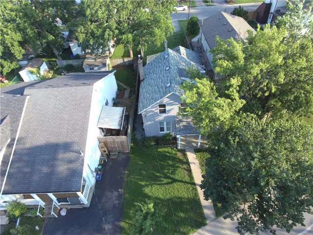 Triplex at 376 Glendale  Ave, St. Catharines, Ontario. Image 10
