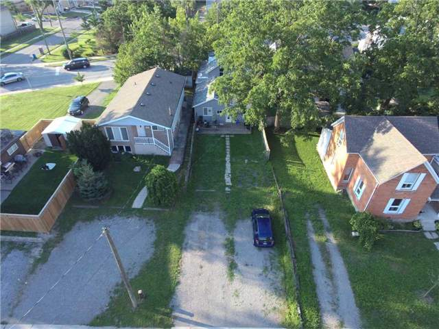 Triplex at 376 Glendale  Ave, St. Catharines, Ontario. Image 2