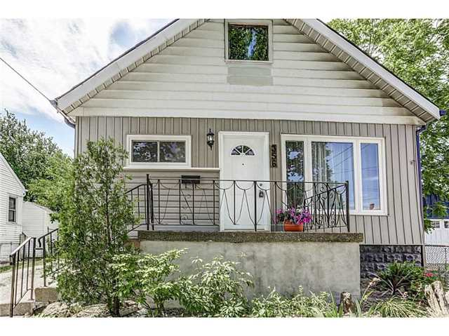 Detached at 356 East 12th St, Hamilton, Ontario. Image 1