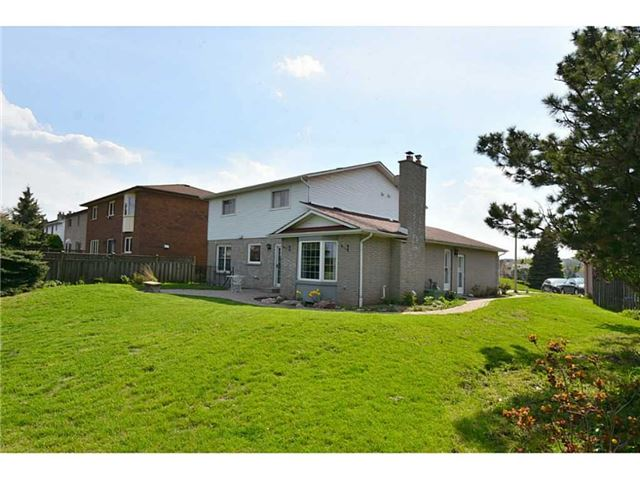 Detached at 28 Larkspur Cres, Hamilton, Ontario. Image 13