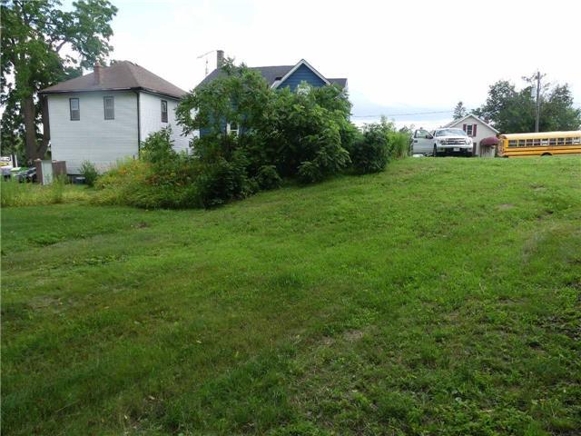 Detached at 7 Hwy 20 E, Pelham, Ontario. Image 2