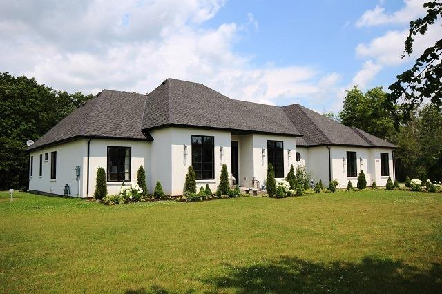 Rural Residence at 3255 Avery Blvd, Niagara Falls, Ontario. Image 1