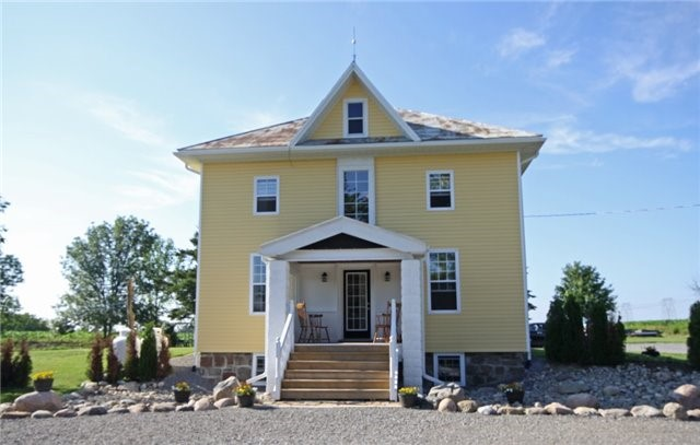 Rural Residence at 280 Fallis Line Line, Cavan Monaghan, Ontario. Image 1