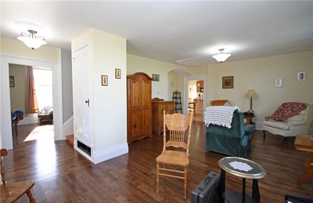 Rural Residence at 280 Fallis Line Line, Cavan Monaghan, Ontario. Image 12