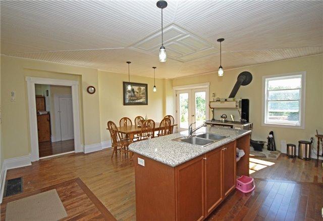 Rural Residence at 280 Fallis Line Line, Cavan Monaghan, Ontario. Image 18
