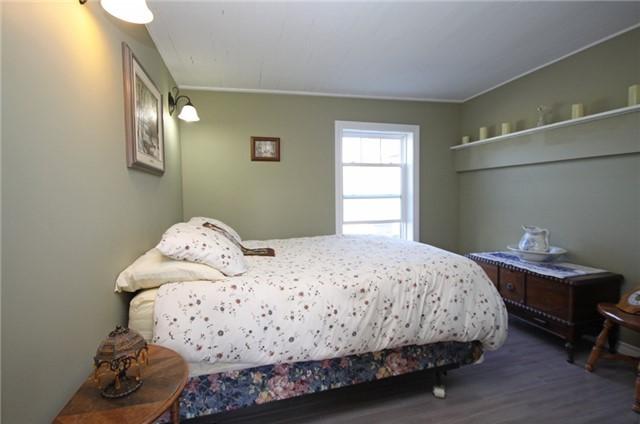 Rural Residence at 280 Fallis Line Line, Cavan Monaghan, Ontario. Image 19